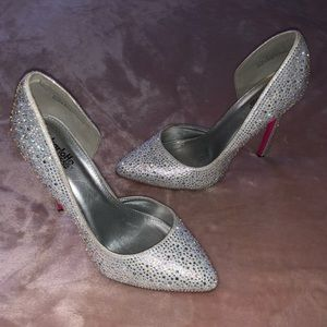 Bedazzled Pumps 🎉OFFERS WELCOMED🎉